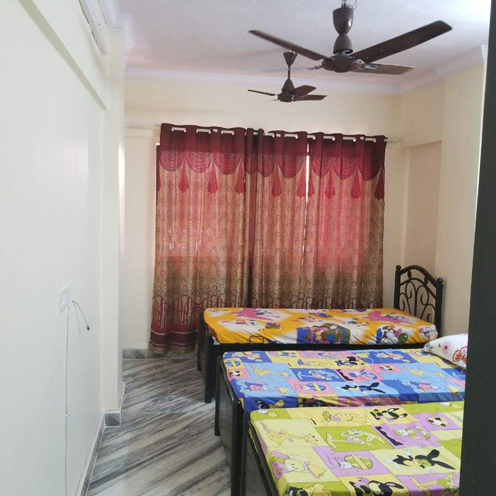Paying guest in andheri East near sation and metro